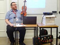 Unterrichtseinheit »Irish Music Instruments« (2018/2019, Frau Maack in Dublin/Irland)