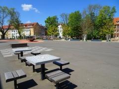 Schulhof mit Schachtischen, Scharnhorstgymnasium